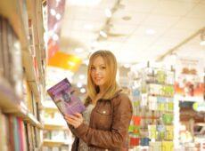 自費出版でも書店に置いてくれるの?
