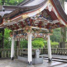 龍神さまと三峯神社。敷石の龍神だけじゃない